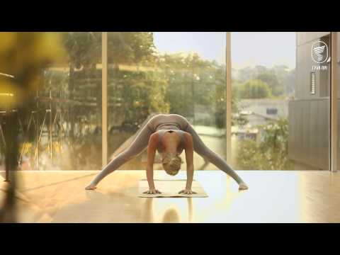 golaya-yoga-v-sportzale-video